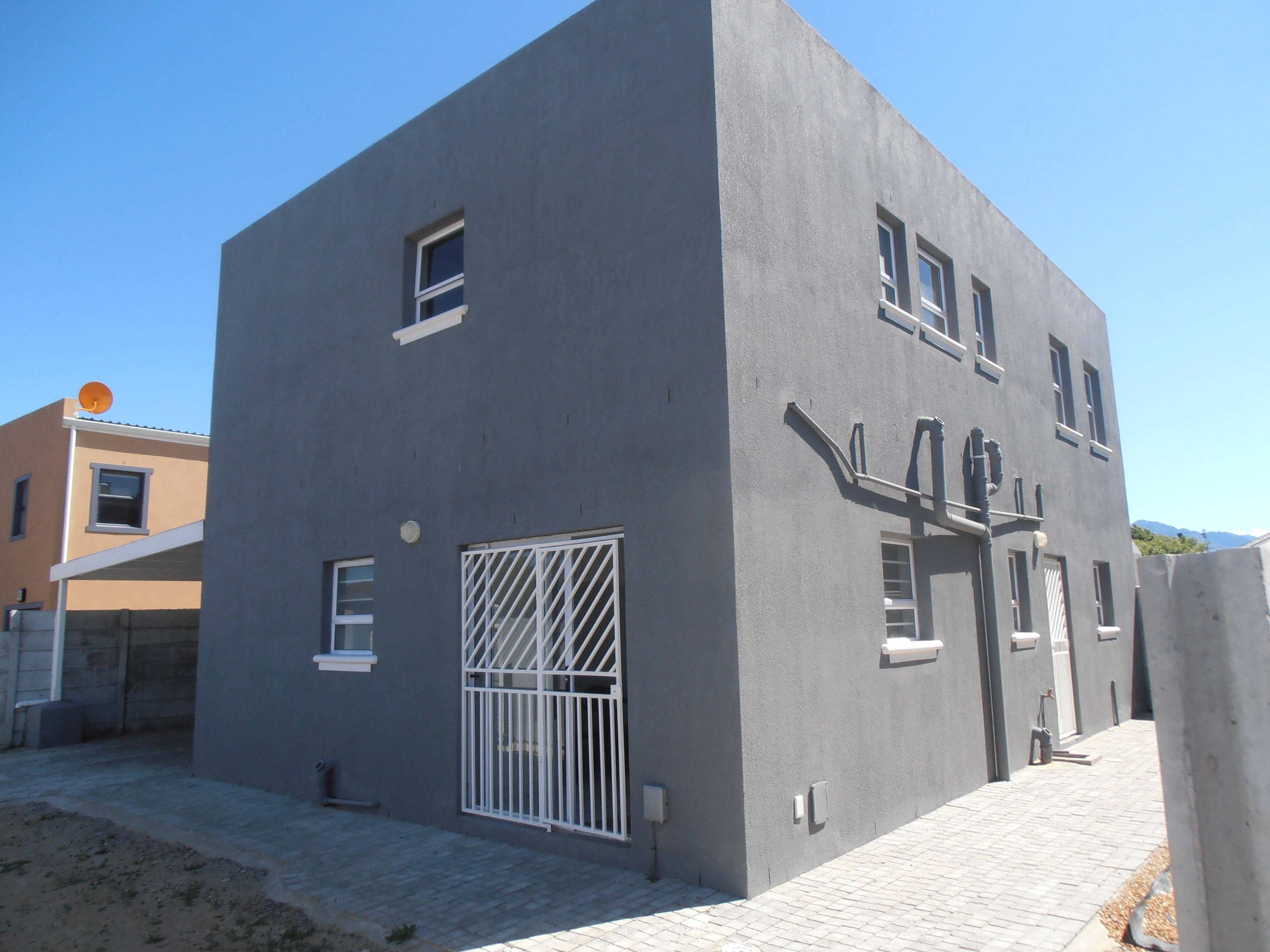 4 Bedroom House For Sale in Strand Central